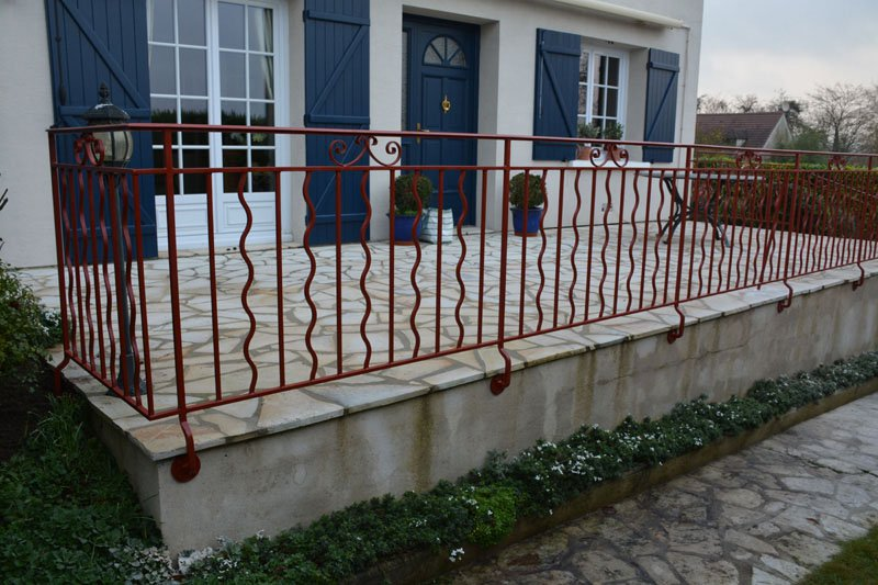 Garde corps et rampe d 39 escalier style provencal les ferronniers de soissons for Garde corps terrasse
