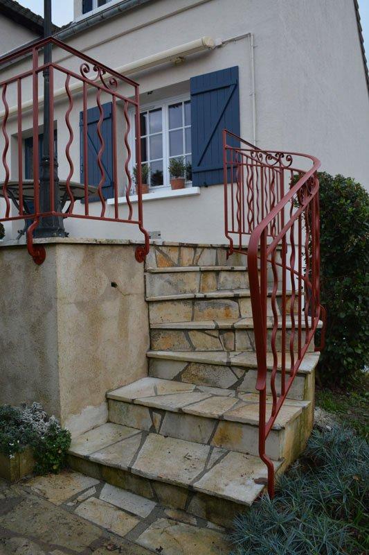 Rampe d'escalier à platines à l'anglaise