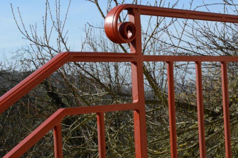 Petit garde corps et rampe d'escalier - Détail