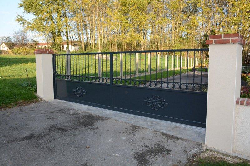 Fabrication d'un portail à ouverture coulissante