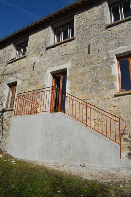 Petit garde corps pour une belle maison à Chivres-Val